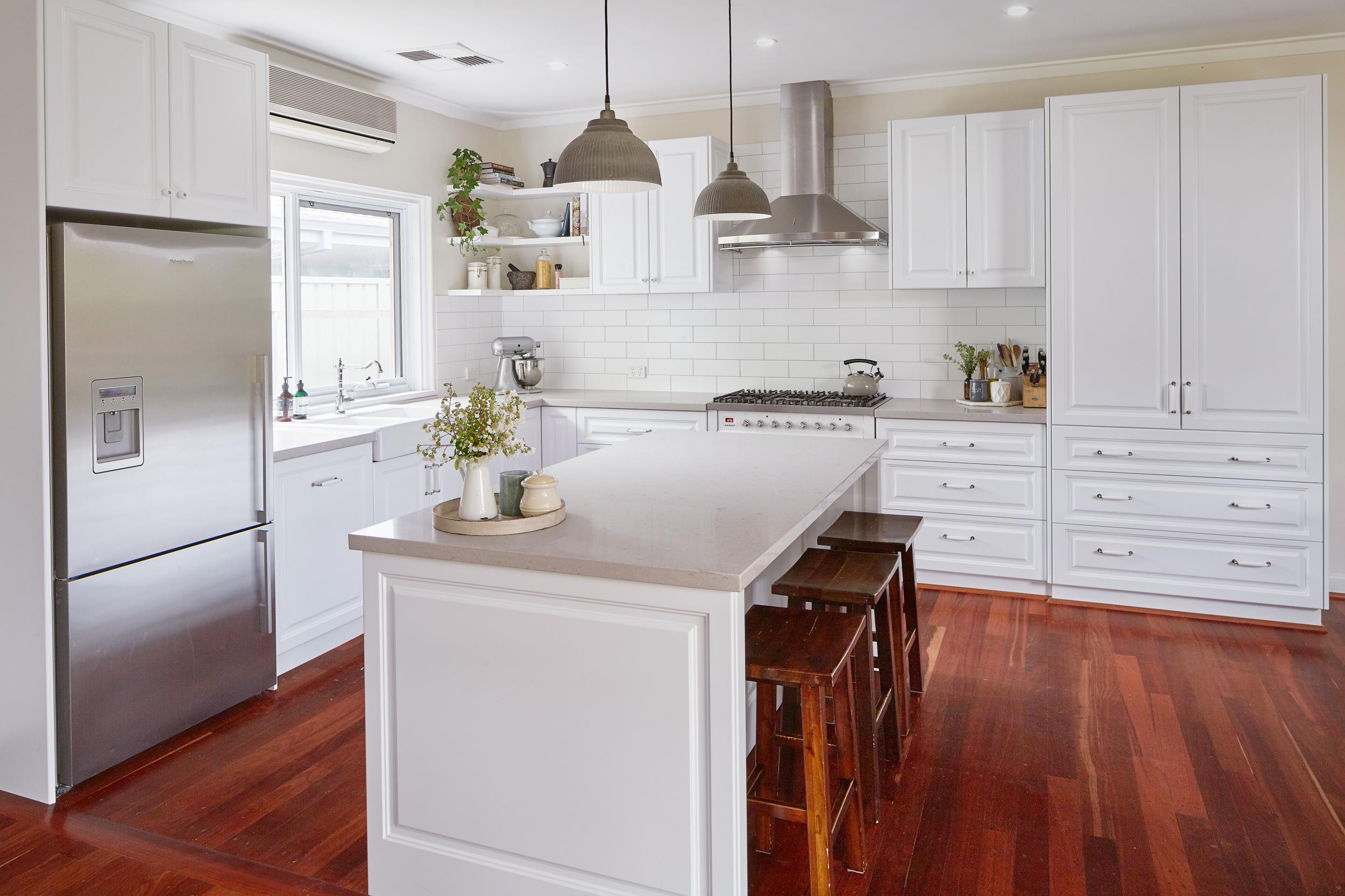 Traditional Kitchen Design Custom Kitchens Bathrooms - oukas.info